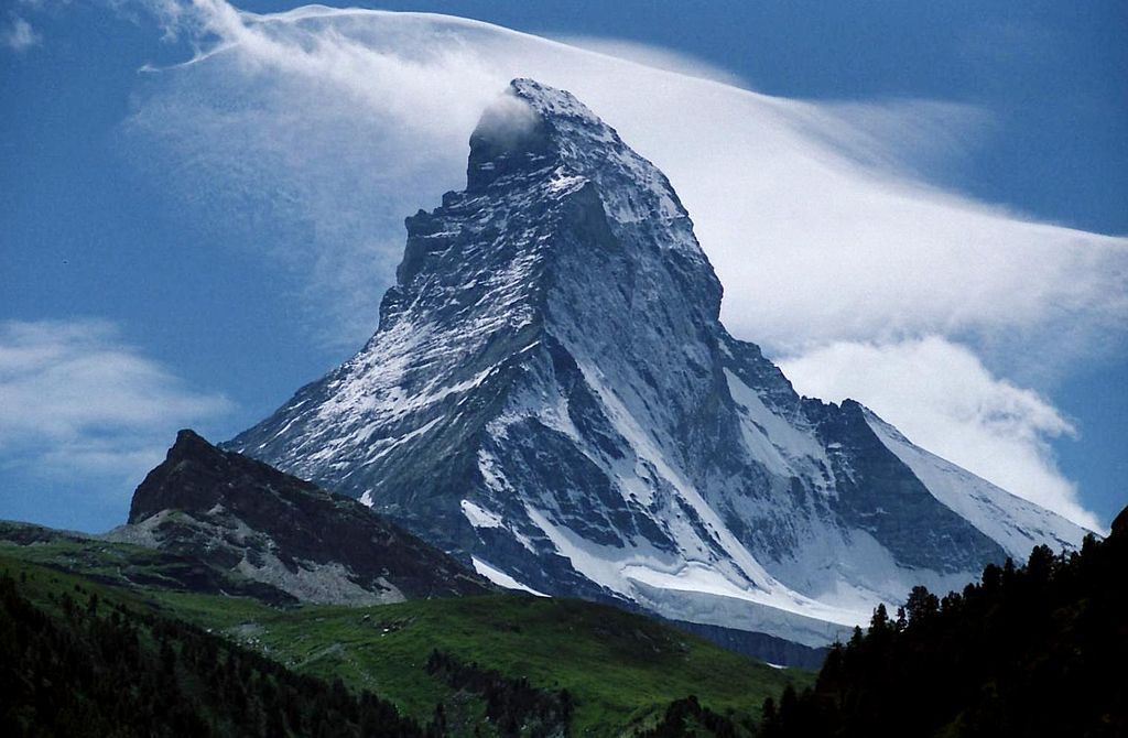 1024px-Peak_of_the_Matterhorn_seen_from_Zermatt_Switzerland1.jpg